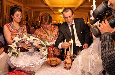 Mariage oriental l 39 image en marche for Salon kabyle